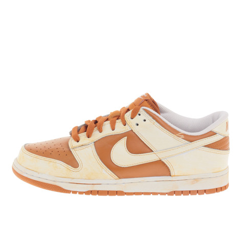 Nike - Dunk Low VNTG QS