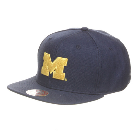 Mitchell & Ness - University Of Michigan NCAA Basic Logo Snapback Cap