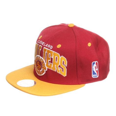 Mitchell & Ness - Cleveland Cavaliers NBA Arch 2 Tone Snapback Cap