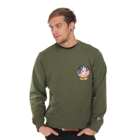 Undefeated - Eagle Crew Sweater