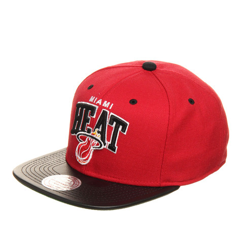Mitchell & Ness - Miami Heat NBA Leather Team Arch Snapback Cap