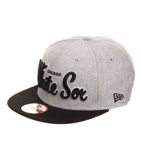low priced 17086 6a608 New Era. Chicago White Sox MLB Retro Scholar 9Fifty Snapback Cap (Black)