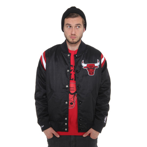 Mitchell & Ness - Chicago Bulls NBA Division Satin Jacket