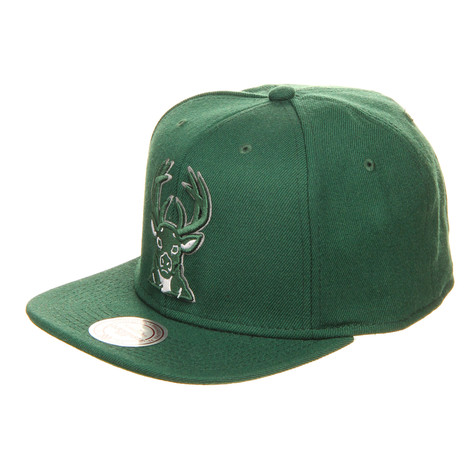 Mitchell & Ness - Milwaukee Bucks NBA Wool Solid Snapback Cap
