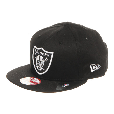 New Era - Oakland Raiders Black White Basic Snapback Cap