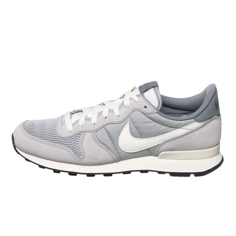 outlet store 0aba0 95887 Nike - Internationalist (Wolf Grey / Sail / Sail) | HHV