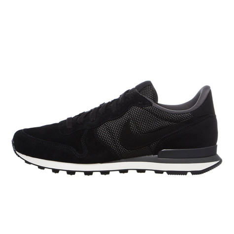 nike internationalist premium black
