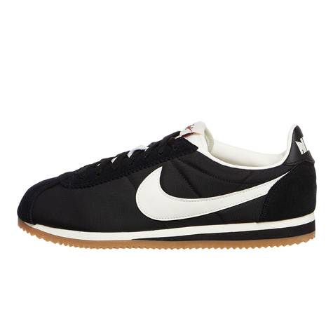 best service b3e81 1a987 Nike. Classic Cortez Nylon Premium (Black   Sail   Gum Light Brown)